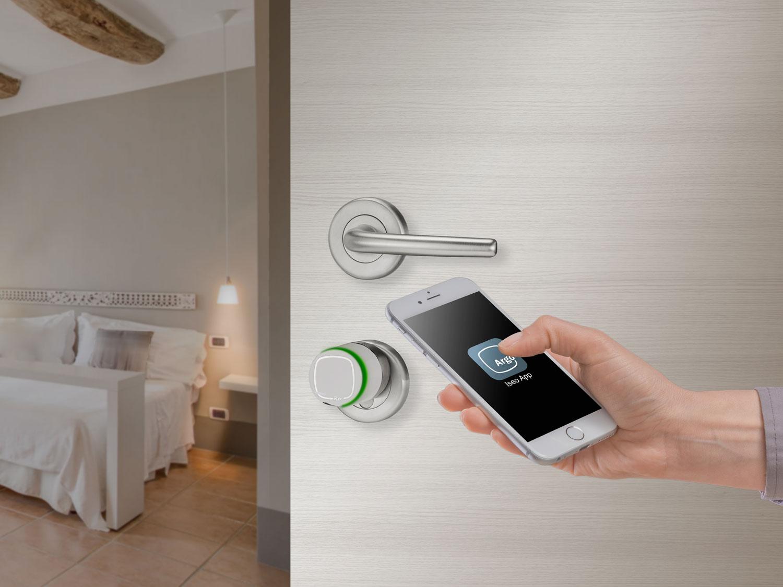 Aprire la porta con lo smartphone novit windowo for Aprire case di concetto
