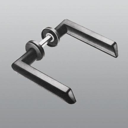 Vendita maniglie per porte e cancelli in ferro windowo - Cancelli in ferro per porte finestre ...