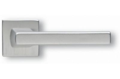 Coppia di Maniglie Ghidini Modello Archimede Argento F1-SAT Rosette e Bocchette