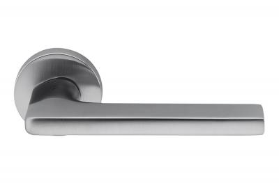 Gira Cromo Satinato Maniglia per Porta su Rosetta del Designer Jasper Morrison per Colombo Design