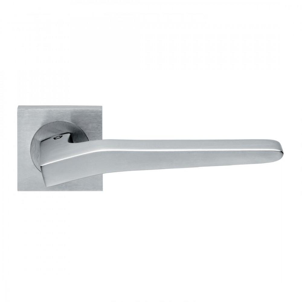 Maniglia cromata per porta interna preso design manital for Maniglie design