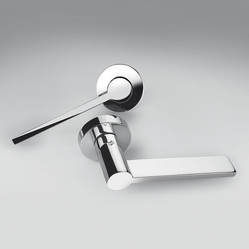 Tool Cromo Lucido Maniglia per Porta su Rosetta di Architettura Michele De Lucchi per Colombo Design