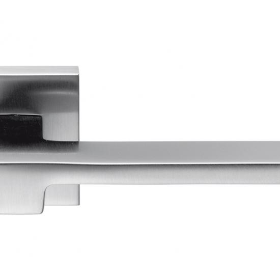 Zelda Cromo Satinato Maniglia Per Porta Su Rosetta Design Di Interni M